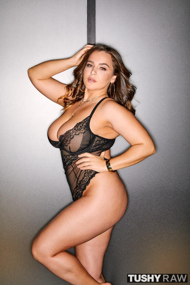 Tushy Raw - Natasha Nice - Nice and Ready
