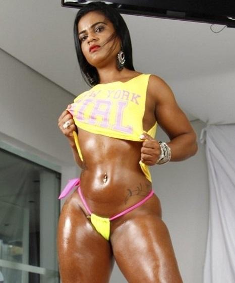 Brad Montana - Ana Julia - Morena Rabuda Ana Julia Cavalgou no Negao no Pelo