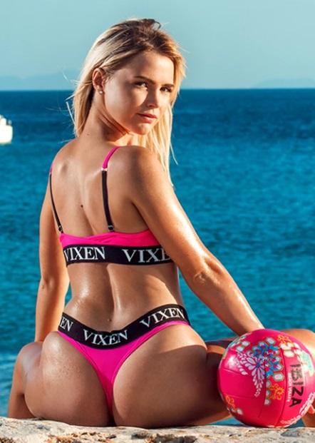 Vixen - Mary Rock , Lika Star - A Club VXN Vacation 3